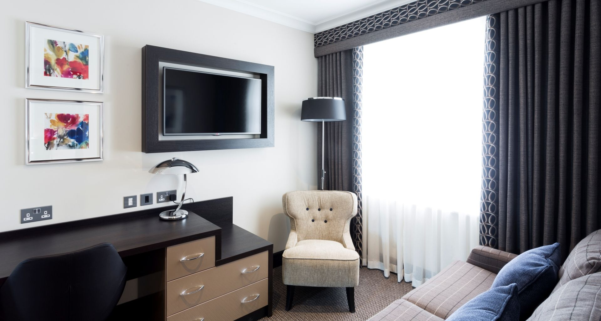 Deluxe Suites Westbourne Hotel London