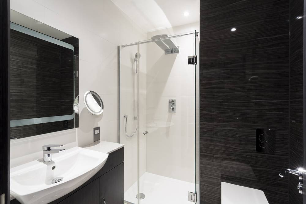 Apartments Bayswater Bathroom with shower