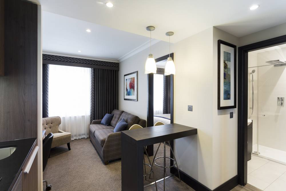 London Hotel Westbourne Apartment Living, Kitchen, Bathroom and Bedroom